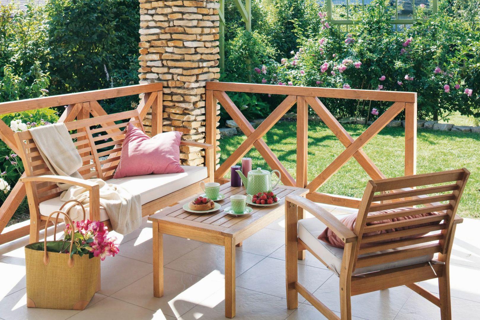 Drewno na tarasie i w ogrodzie: odświeżamy je na wiosnę. Fot. Tikkurila