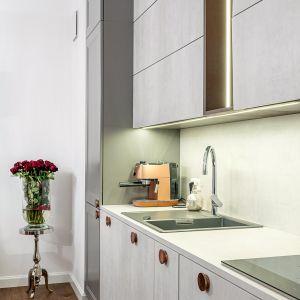 Studio Mebli Kuchennych Max Kuchnie Mono Warszawa. Realizacja kuchni zgłoszona do konkursu Kuchnia-Studio Roku 2020 na najlepsze realizacje wykonane przez studia kuchenne