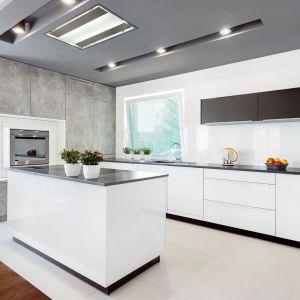 Studio Mebli Kuchennych Max Kuchnie Prestige Gorlice. Realizacja kuchni zgłoszona do konkursu Kuchnia-Studio Roku 2020 na najlepsze realizacje wykonane przez studia kuchenne.