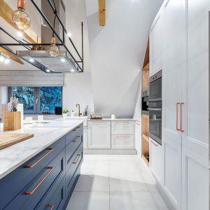 Studio Mebli Kuchennych Max Kuchnie Projektowanie wnętrz Kuchnie BB Bielsko-Biała. Realizacja kuchni zgłoszona do konkursu Kuchnia-Studio Roku 2020 na najlepsze realizacje wykonane przez studia kuchenne.