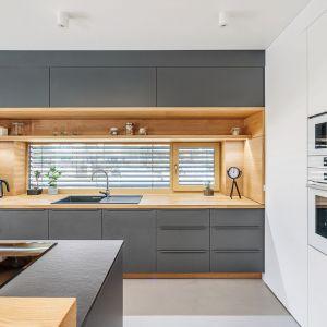 Studio Mebli Kuchennych Max Kuchnie Bossi Nowy Targ. Realizacja kuchni zgłoszona do konkursu Kuchnia-Studio Roku 2020 na najlepsze realizacje wykonane przez studia kuchenne.
