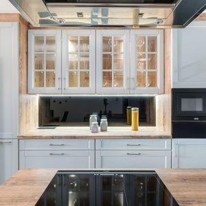 Studio Mebli Kuchennych Max Kuchnie Drawer Turek. Realizacja kuchni zgłoszona do konkursu Kuchnia-Studio Roku 2020 na najlepsze realizacje wykonane przez studia kuchenne.