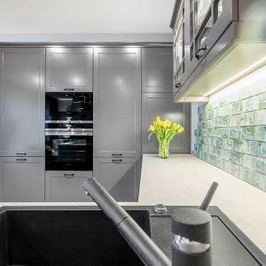 Studio Mebli Kuchennych Max Kuchnie Eltop Janki. Realizacja kuchni zgłoszona do konkursu Kuchnia-Studio Roku 2020 na najlepsze realizacje wykonane przez studia kuchenne.