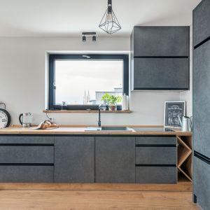 Studio Mebli Kuchennych Max Kuchnie Ewro Rawicz. Realizacja kuchni zgłoszona do konkursu Kuchnia-Studio Roku 2020 na najlepsze realizacje wykonane przez studia kuchenne.