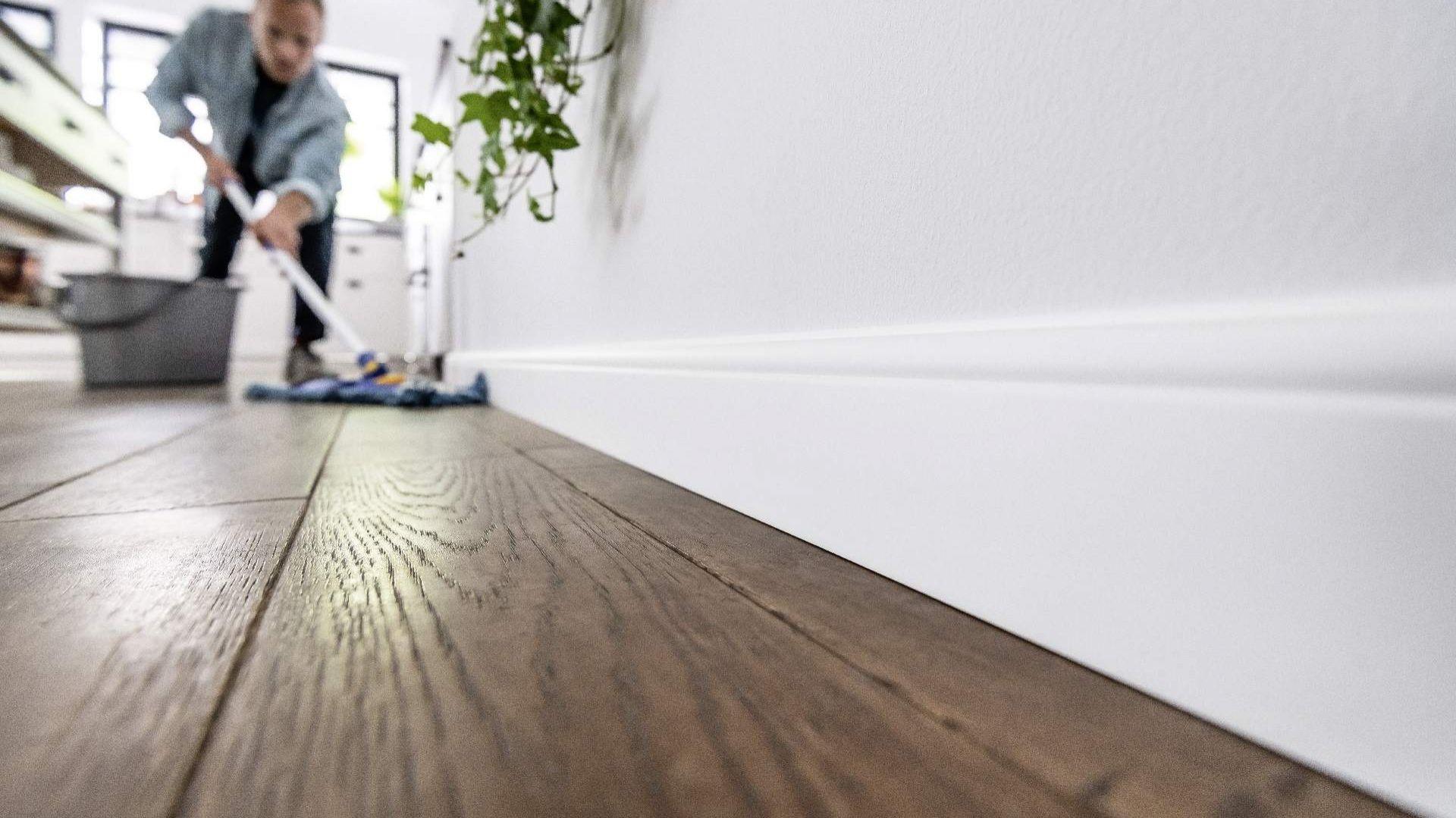 Listwy Espumo można malować, dzięki czemu łatwo dopasować je do aranżowanego pomieszczenia. Fot. Vox
