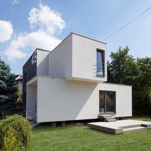 Celem przebudowy domu było podniesienie standardu obiektu oraz zwiększenie powierzchni użytkowej budynku, przy jednocześnie umiarkowanym budżecie inwestora. Fot. Tomasz Zakrzewski