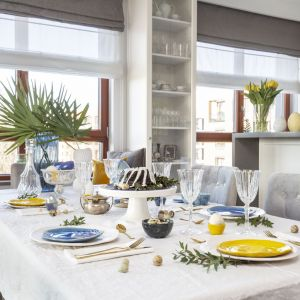 Jasne mieszkanie. Piękne wnętrze w stylu Hamptons. Projekt: Decoroom. Fot.Pion Poziom