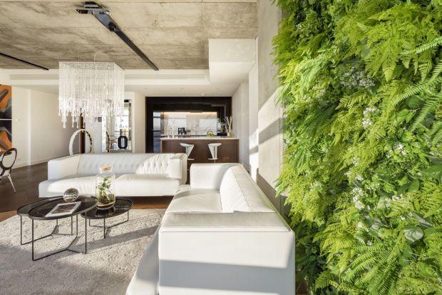 Wystrój apartamentu szczególnie przypadnie do gustu zwolennikom nieoczywistego designu, którzy docenią zarówno lokalizację w tętniącym życiem sercu stolicy, jak i możliwość relaksu w zacisznym wnętrzu luksusowego apartamentu.