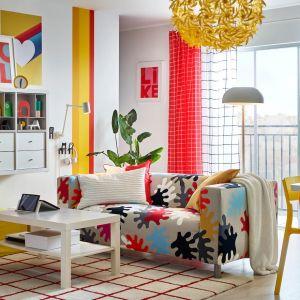 Dwuosobowa sofa Klippan dostępna w IKEA. Fot. IKEA