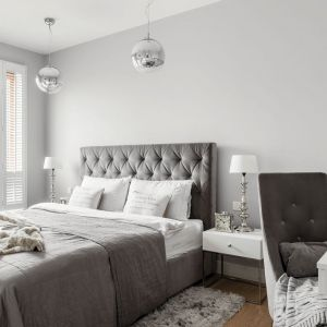 Oświetlenie w sypialni. Projekt: Aleksandra Kurc, Wiktor Kurc. Fot. Fotomohito