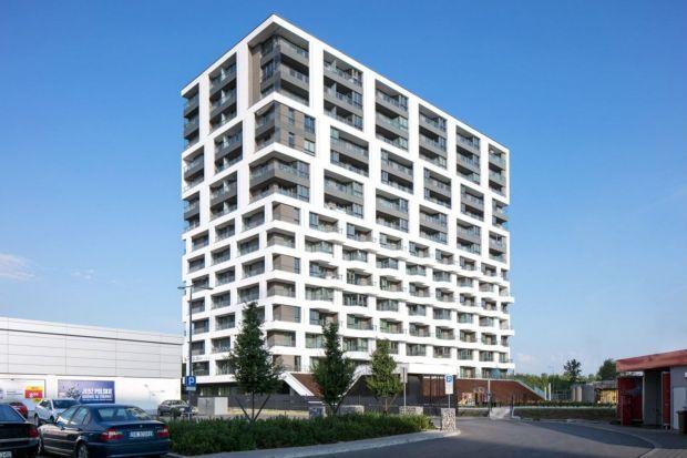 Współczesne osiedla niczym nie przypominają blokowisk z minionej epoki. To, co widać gołym okiem, to niebywały wzrost estetyki, jakości i funkcjonalności. Projekty są bardziej nowoczesne, dopracowane. Wokół nas powstają budynki, które są osz