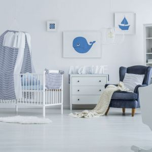 Pomysł na urządzenie pokoju dziecka. Na zdjęciu: ściany pomalowane farbą dostępną w ofercie firmy Dekoral. Fot. Dekoral
