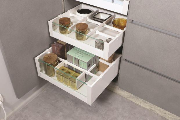 Czy systemy szuflady można modyfikować tak, by pasowały do mebli nie tylko pod względem parametrów, ale też estetyki? Teraz już tak.