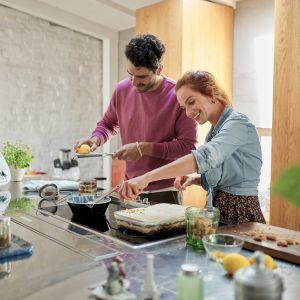 Kuchnia w stylu #zostajewdomu.   Wspólne gotowanie. Fot. Thermomix
