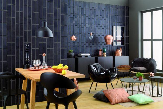 Klinkier i dachówki ceramiczne są energooszczędne i długowieczne. Dzięki temu w dłuższej perspektywie są okazują się bardziej ekonomiczne w eksploatacji, a wykonany z nich dom zużywa mniej energii.