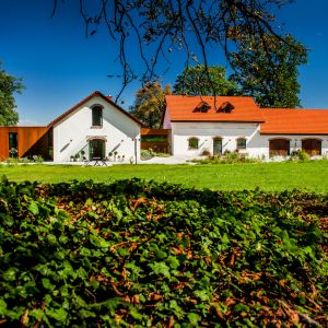 Folwark w Chorowicach.  Fot. Karpiel Steindel Architektura