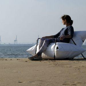 """""""Dmuchana"""" sofa Yacht projektu trójmiejskiejgo studia Malafor. Fot. Malafor"""