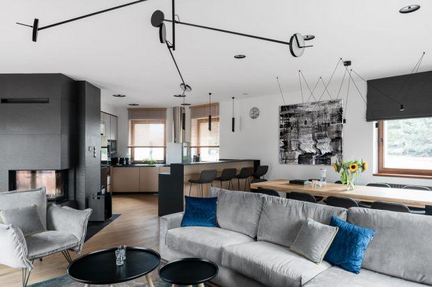 Jaki pięknie i wygodnie urządzić szary salon? Zobaczcie świetne pomysły polskich architektów i projektantów wnętrz.