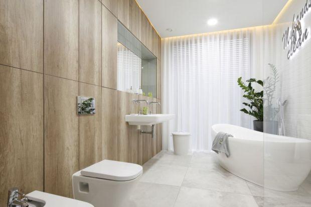 Łazienka urządzona w bieli jest ponadczasowa i uniwersalna. Do tego w każdym stylu prezentuje się pięknie.