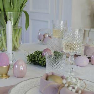 Wielkanocny stół w pastelach. Fot. Basia Ostrowska