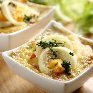 Zapiekane jajka pod pierzynką. Fot. Knorr