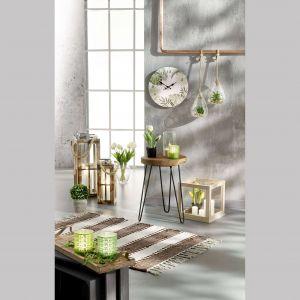 Dekoracyjne szklane skrzynki, drewniane latarnie. Fot. KiK