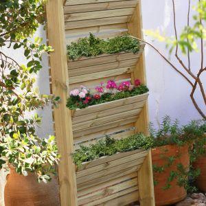 Ekologiczny pomysł na stojak do kwiatów. Fot. Leroy Merlin