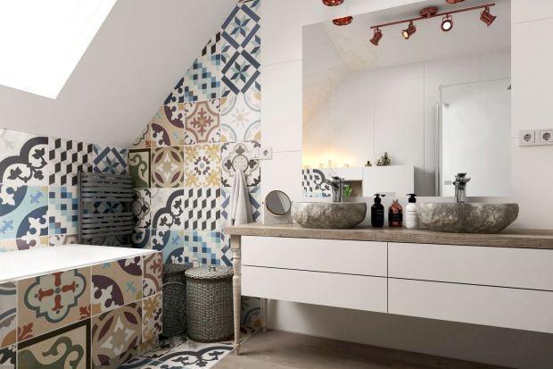 Raz na kilka lat każdą łazienkę warto gruntownie odświeżyć, zmienić wystrój i wyposażenie, dostosować do bieżącej mody i upodobań. Przed rozpoczęciem practrzeba dokładnie przemyśleć problem i zaplanować prace. Jak zrobić to sprawnie?