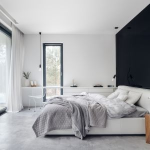 Nowoczesna sypialnia. 12 pomysłów na urządzenie. Projekt Studio Maka. Fot. Tom Kurek