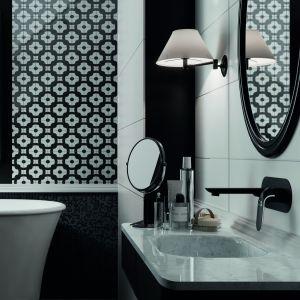 Ciemne kolory w łazience. To jest trendy! Fot. Laveo