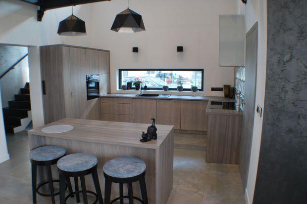 Dom z mostkiem: ciekawy projekt dla miłośników minimalizmu
