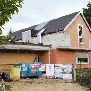 Dom ma powierzchnię 216 m2, garaż 40 m2. Projekt: Magdalena Gierczak, Zbigniew Gierczak