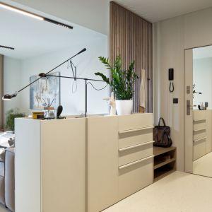 Skandynawska prostota i włoski szyk – te cechy najlepiej oddają charakter wnętrza zaprojektowanego przez pracownię FABRYK-ART