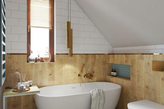 Jak zaaprojektować i zaaranżować łazienkę na poddaszu? To pytanie nurtuje wielu właścicieli domów, którzy właśnie tak mają usytuowane to ważne pomieszczenie. Dzisiaj mamy dla was świetny pomysł na aranżację łazienki ze skosami - zobaczci