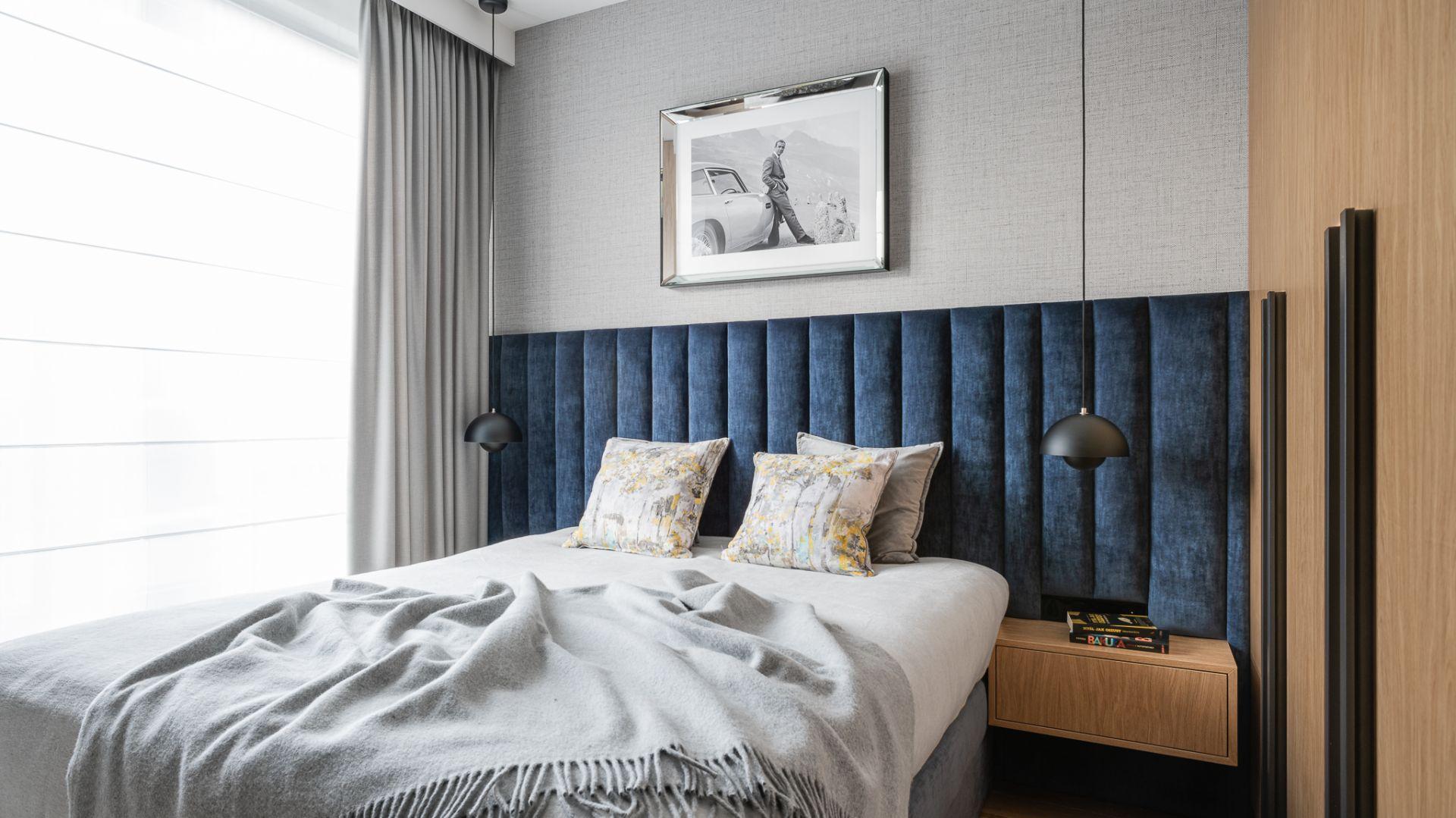Pomysł na wykończenie ściany za łóżkiem w sypialni. Projekt: Joanna Kozłowska, Anna Maria Sokołowska. Fot. Fotomohito