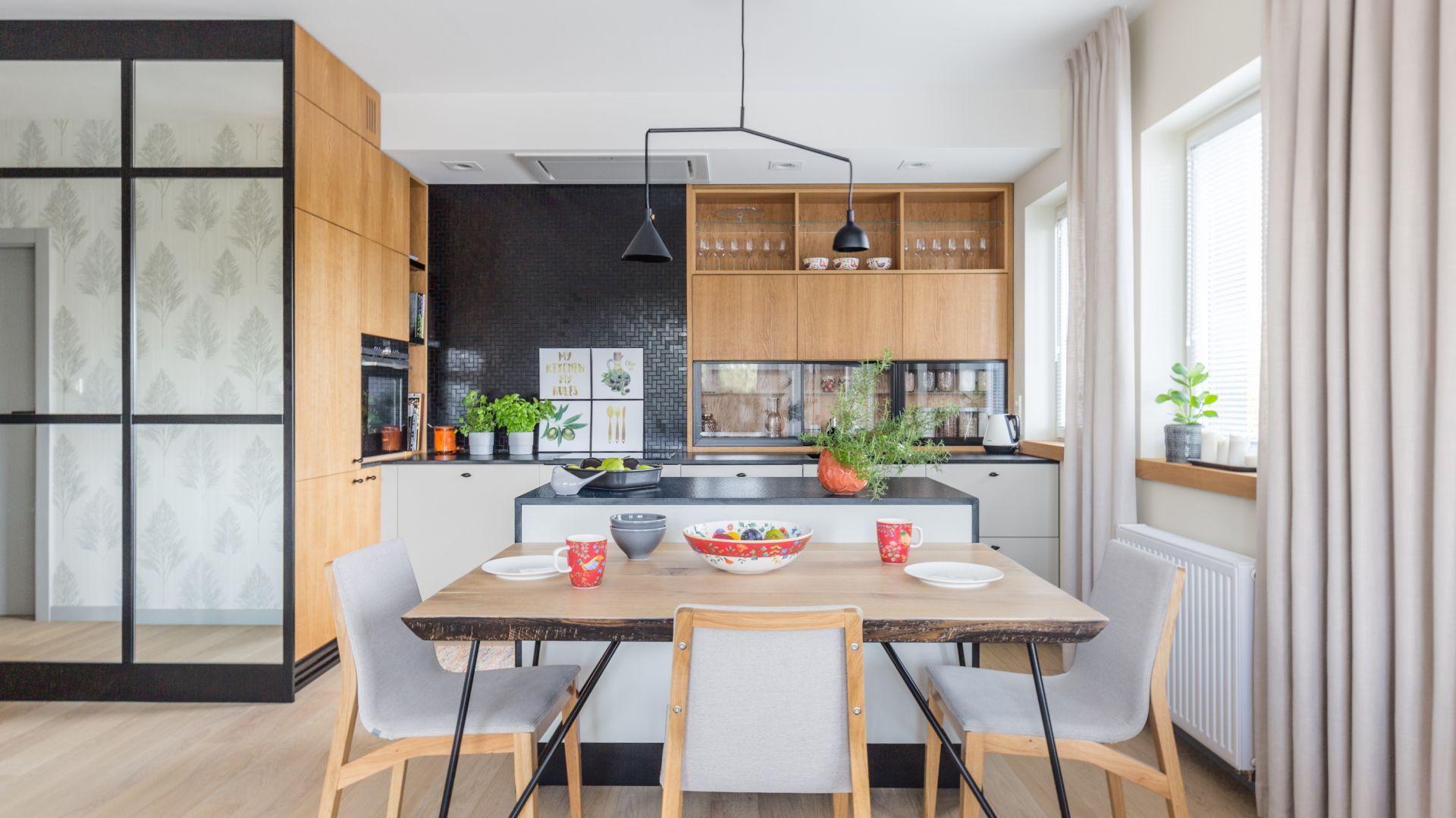 Kuchnia dla rodziny - 15 pomysłów na modne wnętrze. Projekt Agnieszka Morawiec. Fot. Pion Poziom.