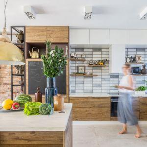 Kuchnia dla rodziny - 15 pomysłów na modne wnętrze. Projekt Monika Pniewska. Fot. Pion Poziom