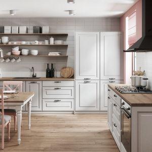 Sielski nastrój można stworzyć również w kuchni, urządzając ją w stylu rustykalnym. Na zdjęciu zestaw mebli Gaja New Szara. Fot. RuckZuck