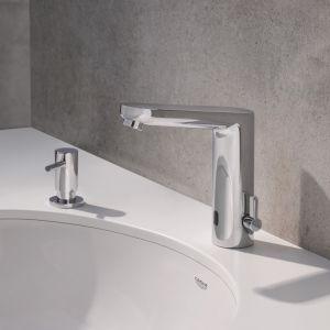 Nowy standard higieny: rozwiązania łazienkowe i kuchenne. Fot. GROHE Bau Cosmopolitan E