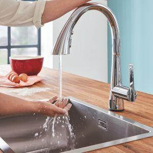 Nowy standard higieny: rozwiązania łazienkowe i kuchenne. Fot. GROHE Zedra Touch.