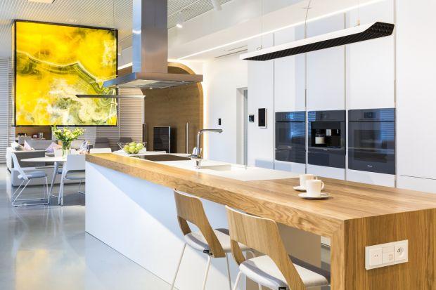 Jak funkcjonuje dom inteligentny? W jaki sposób ułatwia życie domowników? O tym najlepiej przekonać się odwiedzając apartament pokazowy ABB Living Space Experience w Warszawie. To jedyny w tej części Europy showroom, którego 170 m2 powierzchni z
