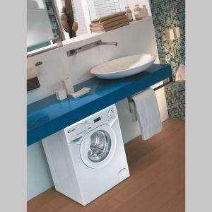 Podczas urządzania małej łazienki ważny jest przemyślany plan wykorzystania każdego centymetra powierzchni i pomysłowość rozwiązań. Fot. Candy