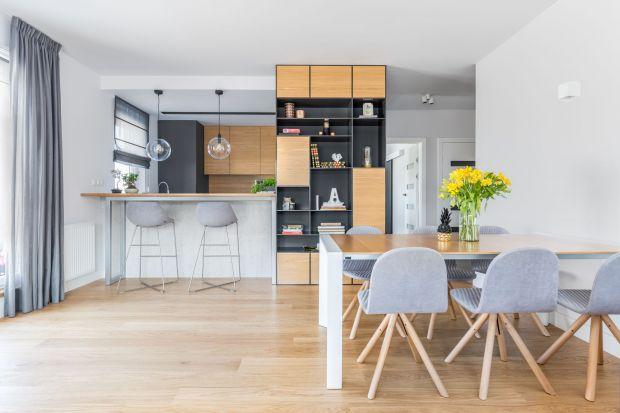 Epidemia i konieczność spędzania czasu w domowym zaciszu odmieniły naszą rzeczywistość. W jaki sposób koronawirus wpłynie na nasze mieszkania? Oto kilka prognoz, które przygotowali architekci z Pracowni Architektury Wnętrz Decoroom.