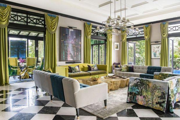 """Projekt tego niezwykłego wnętrza z Singapuru powstał w pracowni Design Intervention, prowadzonej przezNikki Hunt i Andreę Savage, specjalizującej się w tworzeniu wykwintnych wnętrz """"z górnej półki""""."""