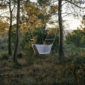 Huśtawka Calma Marea Garden Swing. Fot. Go Modern Furniture
