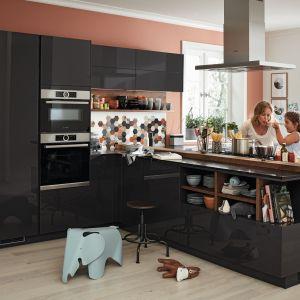 Czarne fronty w kuchni - to jest hit! Fot. Alno