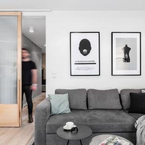 Wnętrze 55 m2. Projekt Raca Architekci. Fot. Fotomohito