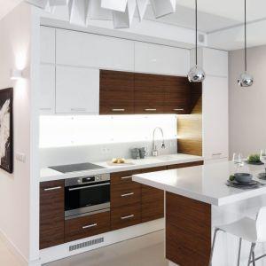 Pomysł na urządzenie białej kuchni. Projekt: Małgorzata Galewska. Fot. Bartosz Jarosz