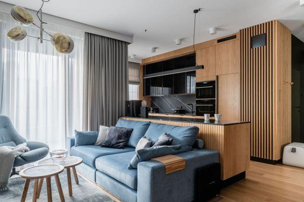 Jak urządzić mały salon? Zobaczcie pomysły polskich architektów i projektantów wnętrz. Koniecznie sprawdźcie jakie stosują rozwiązania, kolory, faktury, połączenia.
