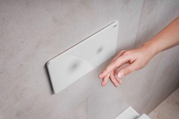Ostatnie wydarzenia przypomniały nam, jak ważne jest utrzymywanie wysokiego poziomu higieny i ograniczanie kontaktu z potencjalnie niebezpiecznymi drobnoustrojami. Powierzchnie przycisków uruchamiających do WC niewątpliwie należą w tym kontekście